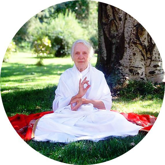 30 Правил харчування першої жінки-йога, яка дожила до 103 років