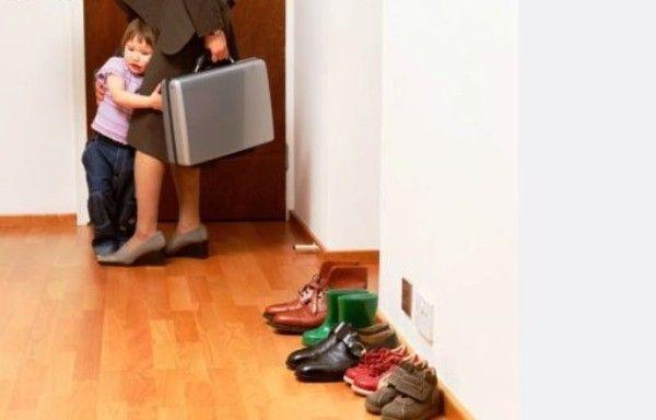 Що робити якщо дитина не відпускає маму