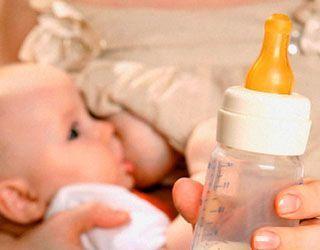 Чи вистачає дитині грудного молока?