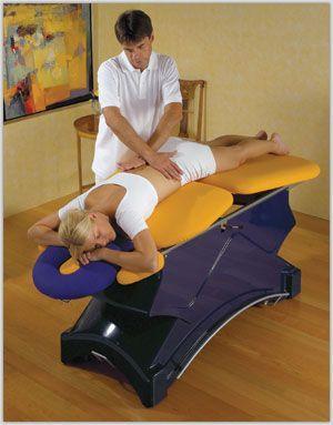 як вибрати масажний стіл