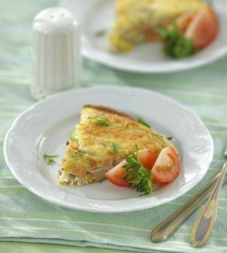 Омлет з лососиною і овочами