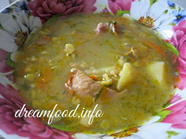 Суп гороховий з копченими реберцями