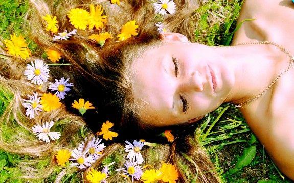Обполіскуємо волосся травами